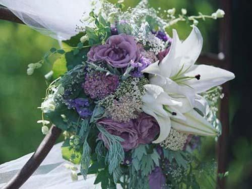 wedding flower accents